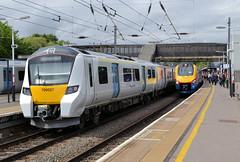 Diesel & Electric At Bedford (R~P~M) Tags: train railway england uk unitedkingdom greatbritain multipleunit emu demu diesel 222 700 thameslink govia stagecoach eastmidlandstrains bedford bedfordshire beds