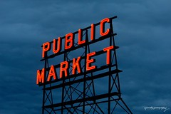 Pike's Place Market in Seattle, Washington, USA. (Ally Kropp) Tags: publicmarket market photography manmade omg signs sign pikeplacemarket washington summertime sky dark blue night summer america usa seattle