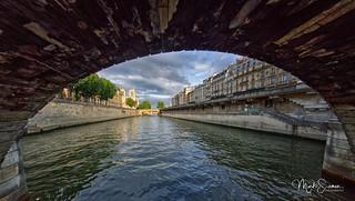 Towards Notre-Dame
