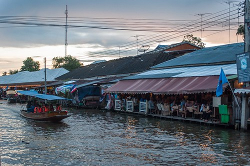 marché flottant amphawa - thailande 40
