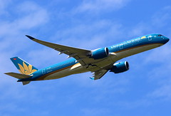 Vietnam Airlines Airbus A350-941 VN-A889 (Manuel Negrerie) Tags: vietnam airlines airbus a350941 vna889 cdg spotting jetliner airliner aviation lotus livery a350xwb widebody cdg2 flight flying design aeroplane plane airplane canon
