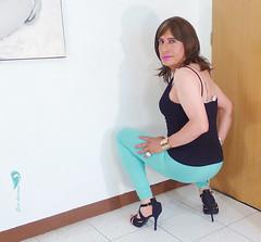 Black tank top, green leggings, high-heeled flat shoes ... (Elsa Adriana) Tags: elsaadriana elsa sexylegs mexican leggins tgirl travesti transvestite tbabe tv transgender transgenero mature