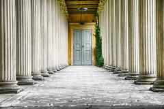 entrance (micagoto) Tags: potsdam schloss castle lindstedt schlosslindstedt door tür säulen column