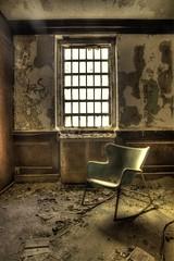 (Ana Turturro) Tags: kings park kingsparkpsychiatriccenter kppc urbex urbanexploration abandon abandoned chair rockingchair decay longisland window room