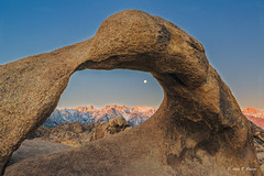 Moonset over Mt. Whitney and under Mobius Arch, Alabama Hills, CA (nhojuonah) Tags: moonrise moonset moon set mt whitney mobius arch alabama hills