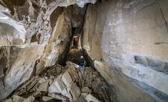 Galerie de la cheminée - Trou du vent - Mont Ventoux (84) - France (Romain VENOT) Tags: mont ventoux serein trou du vent grottes cavités spéléologie caving caves puits pits erosion cheminées vaucluse provence nikon d5300 tokina