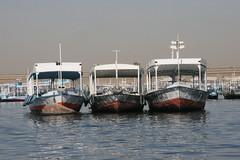 A couple par trois sur le Nil (Pi-F) Tags: nil egypte navigation bateau trois 3 couple amarre fleuve barque