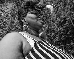 Benjamin Franklin Parkway, 2017 (Alan Barr) Tags: philadelphia 2017 benjaminfranklinparkway street sp streetphotography streetphoto blackandwhite bw blackwhite mono monochrome candid people city panasonic lumix gx7