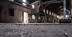 Lost Place II (bennibenniebenny) Tags: industrie industry fabrik fabrikhalle factory lostplaces old leer hall