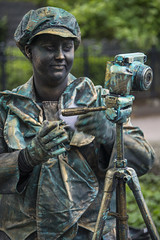 Living statues in Westerbork  (13) de fotograaf...2 (John de Grooth) Tags: westerbork livingstatue livingstatues drenthe 2017 02062017 fotografe fotograaf vrouw woman