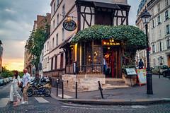 MONTMARTRE PARIS street photography (Carlos Pinho Photography) Tags: paris street streetphotography montmartre sunset silhouette canon canonfrance