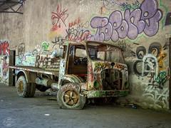 E-M1MarkII-13. Juli 2017-14-53-06 (spline_splinson) Tags: consonno graffiti graffitiart graffity italien italy lostplace losttown oldcar oldtruck ruin ruinen ruins truck lombardia it