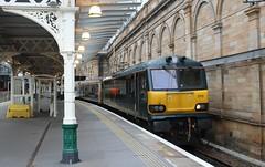 170715 - EDB - CS - 1B26 EUS to EDB - 1 (Sarahs_Railways) Tags: gbrf class 92 92010 edinburgh waverley caledonian sleeper