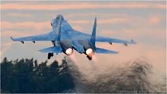 "SU-27 (DaveChapman ""If it flies,I shoot it"") Tags: su27 sukhoi flanker ukraine ukranian evening aircraft airshow aviation airdisplay air blue england fast flying fighter burner burners jet military militaryaircraft nikon nikon200500mm riat"