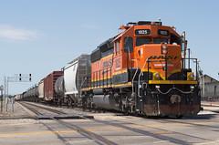 1000th Flickr Photo (Joseph Bishop) Tags: bnsf 1825 emd sd402 trains train track tracks railfan railroad railway rail rails galesburg illinois