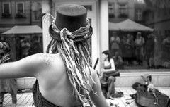 Folk-Dancing - Part II (_LWR_) Tags: 140 35mm alben analog contaxt2 deutschland film ilforddelta100 r09 rudolstadt tff2017 thuringia germany dancing thüringen rudolstadtfestival folk