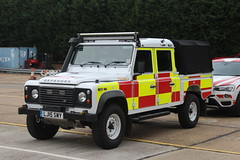 LJ15 SWY (JKEmergencyPics) Tags: emergency surrey fire rescue land rover defender multi role vehicle reigate station lj15 swy lj15swy