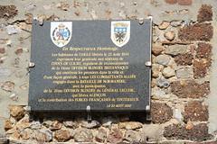 L'Aigle - Hommage à la 11ème Division Blindée britannique (Philippe Aubry) Tags: normandie orne laigle plaque mémorial libération paysdouche secondeguerremondiale 11èmedivisionblindéebritannique juin1944