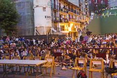 En la imagen se puede ver el público congregado en la plaza para disfrutar del Playback de Santiagos de 2017