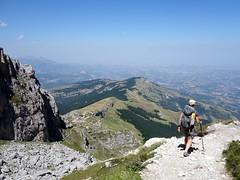 Descending to La Madonnina from Rifugio Franchetti (markhorrell) Tags: cornopiccolo cornogrande gransasso apennines abruzzo italy hiking hillwalking scrambling