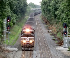 Norfolk Southern Chicago Line / MP 460 East (codeeightythree) Tags: ns norfolksouthernchicagoline norfolksouthernrailroad railroading railroad photography chicagoline unitcoal unitcoaltrain norfolksoutherncoal signals controlpoint mp460 transportation freight laportecountyindiana