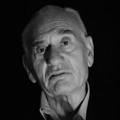 "Pepe Kiosco ""el iluminado"" in explore (por agustinruizmorilla) Tags: man hombre josequijosa agustinruizmorilla"