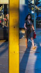 unbenannt (21. Juli 201726 von 114).jpg (Mette1977) Tags: streetphotography lines olympus color street people olympuskameras microfourthird light gelb blue hamburg candid em10 2017 urban yellow lightandshadow colour