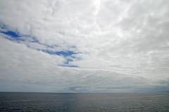 _DSC3536_editado-2 (adrizufe) Tags: llanes horizonte asturias nubesyclaros cantabrico vacacionesdeverano skyline adrizufe adrianzubia aplusphoto nikonstunninggallery nikon d7000 nature naturaleza ilovenature bluesky reflections reflejos