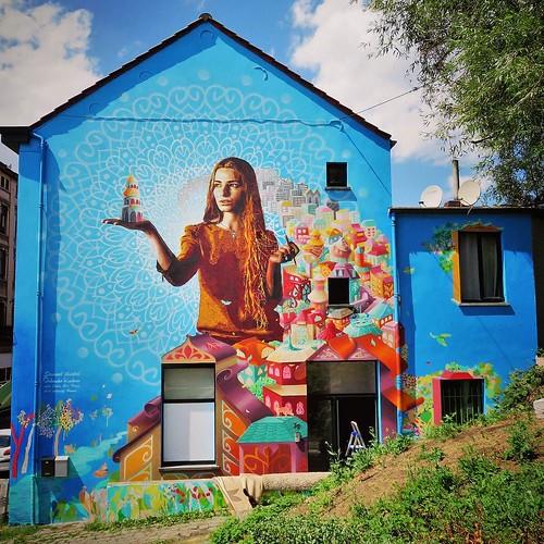 #beauty from #brussels, pt. 1 / #Art by #OrlandoKintero #JuliaEvaPerez #Idmtal. #Forest #Belgium #streetart #graffiti #streetartbel #streetart_daily #urbanart #urbanart_daily #graffitiart_daily #graffitiart #streetarteverywhere #mural #wallart #bxl #ilove
