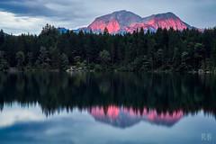 Lake Hintersee 2017 (MrHansFromSomewhere) Tags: sunset summer sonnenuntergang sony sonyimages sonyalpha sonya6000 sonyalpha6000 sommer water waterscape lake hintersee landscape landschaft sigma sigma60mmf28 sigmaart prime primelens reflection reflektion blue hour vanguard colors colorfull countryside magic travel vacation ngc top20germany top20bavaria