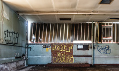 Don't do drugs (frankdorgathen) Tags: nordrheinwestfalen bergischesland solingen town urban city message graffiti abandoned decay production factory industry indoor