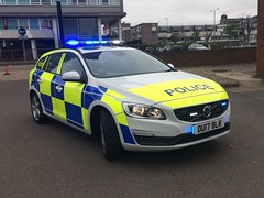 NEW Herts Police Volvo (slinkierbus268) Tags: brand new volvo policecar hertfordshire police hertfordshirepolice herts hertfordshireconstabulary stevenage firestation bluelights 17