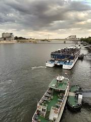 The Rhine at Cologne (Magic M.) Tags: boats river rhine rhein cologne köln hohenzollernbridge hohenzollernbrücke sunset sonnenuntergang