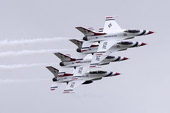 USAF Thunderbirds (Perfect Moment Images) Tags: thunderbirds riat f16 usaf display team fairford raf 70th anniversary international tattoo ffd ab airbase air base royal 2017 17
