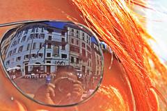 Al lente (Campanero Rumbero) Tags: rome roma italy italia europe europa travel turismo trip lente lentes gafas reflejo reflection rostro canon camara