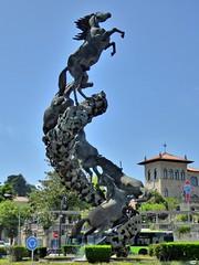 Los caballos de Oliveira (juantiagues) Tags: fuente caballos escultura oliveira juantiagues juanmejuto
