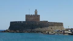 Fort of St. Nicholas (skumroffe) Tags: fort mandrakiharbour rhodes rhodos greece grekland hellas rhodestown rhodosstad rodos fortofstnicholas building byggnad fästning harbour harbor port hamn