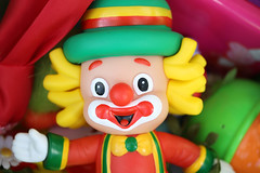 204/365 Cathy's Clown (Helen Orozco) Tags: clown colourful song everlybrothers cathysclown 2017365 canonrebelsl1 toy