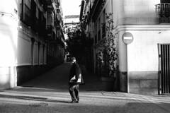 * (doistrakh) Tags: slr olympus om4ti zuikoautos40mmf2 filmcamera vintagecamera 135 film monochrome bw blackandwhite travel europe spain espana streetphotography madrid man snapshot