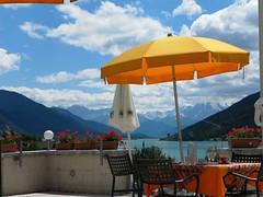 Resia (Ellipa) Tags: resia lago altoadige ombrelloni giallo