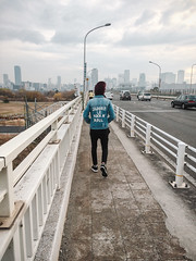 Walking in Osaka 大阪 (garygaldamez) Tags: japan japón travel travellers wanderlust iphone 5s photography streetphotography 日本 旅行 歩く osaka city boy indie