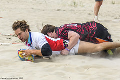 H6G64091 Ameland Invites v Baba Bandits (KevinScott.Org) Tags: kevinscottorg kevinscott rugby rc rfc beachrugby ameland abrf17 2017 vets veterans netherlands