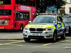 London Metropolitan Police ARV...BMW X5 BX17 DZL (standhisround) Tags: metropolitanpolice londonmetropolitanpolice met police bmwx5 bmw emergency vehicle 4x4 london arv uk 999 trafalgarsquare bx17dzl