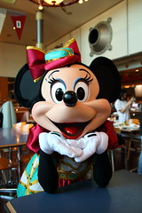 Minnie Mouse (sidonald) Tags: tokyo disney tokyodisneysea tds tokyodisneyresort tdr horizonbayrestaurant greeting ディズニーシー ホライズンベイ・レストラン グリーティング minniemouse minnie ミニー