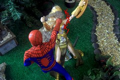 Paprihaven 1101 (MayorPaprika) Tags: canoneos50d 16 custom diorama toy story actionfigure paprihaven 2017 mattel queenhippolyta horse wonderwoman spiderman park turtlecrossing madetomove barbie captainaction playing mantis