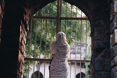 50mm canon , New Delhi (Ravinepz) Tags: delhi india women delhigirl beautiful place lodhigarden woman lady girl alone happy september july august tour traveling