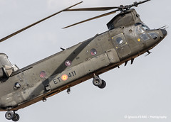 Chinook (Ignacio Ferre) Tags: chinook boeing boeingch47d spanisharmy españa spain airshow famet lecv madrid helicóptero helicopter aircraft airplane avión aviation aviación nikon military militar aeronave