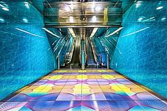 Universita 4 (isnogud_CT) Tags: universita ubahn bahnhof statione linea1 italien treppe rolltreppe