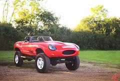 Lifting Shadows Off A Dream (AdamC3046) Tags: retro cars car supercar classic hotrod lifted monster truck etype jaguar e type land rover chassis defender custom build 2017 hurtwood park