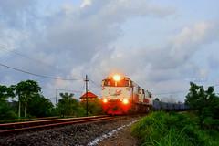 KA Semen Nambowangi (aldyanfanindyanugraha) Tags: kereta api ptkai kai121 kita ka semen barang nambowangi daop 9 jember banyuwangi baru double traksi ganda tg dt